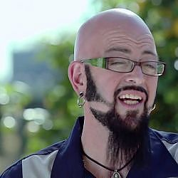 Can Jackson Galaxy Turn a Dog Person Into a Cat Person?